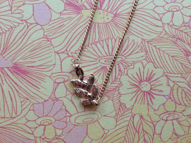 The leaf detail on the Kiera Necklace