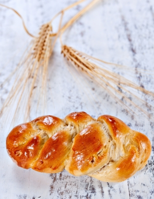 This is not real pan de muerto, but you'll have to use your imagination. Photo by Serge Bertasius