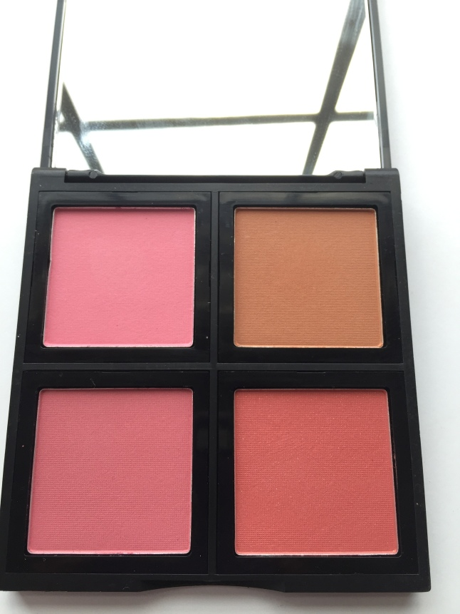 e.l.f. blush palette in light