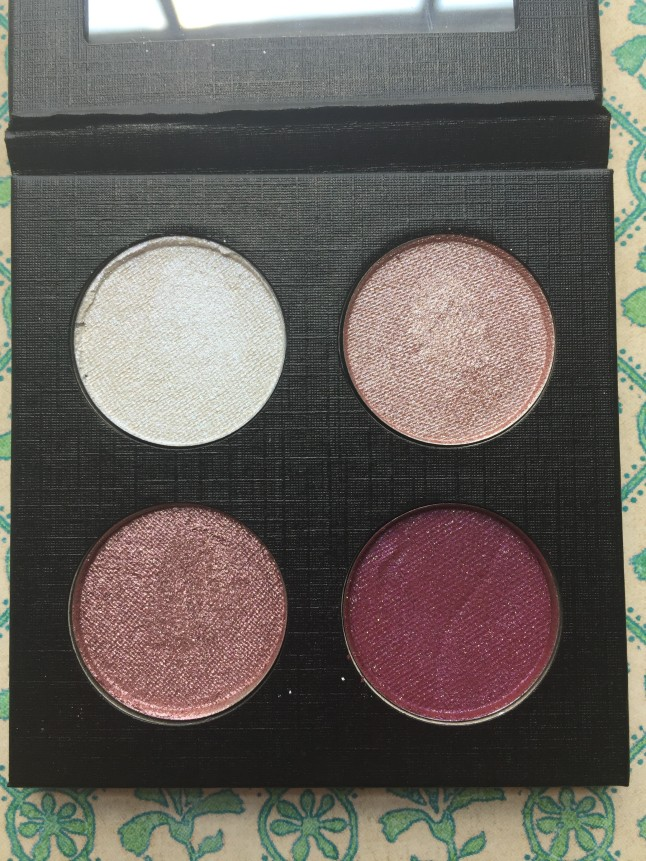 Glamour Doll Eyes Pressed Shadow Quad